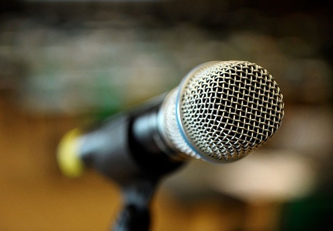 Especialistas dão 10 dicas simples e certeiras para superar  o medo de falar em público