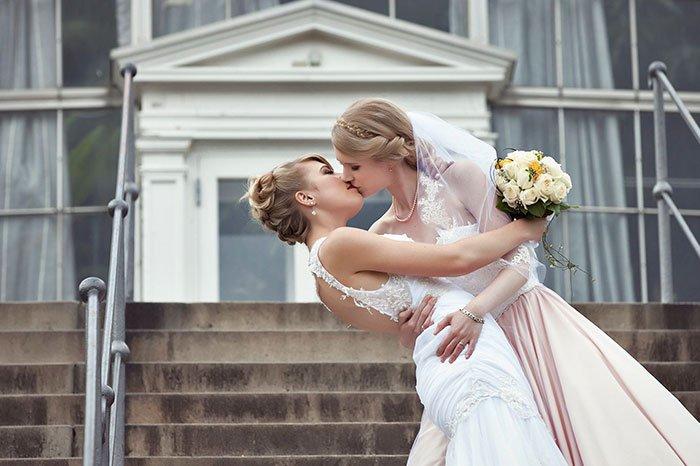 female-cosplayers-wedding-photos-2