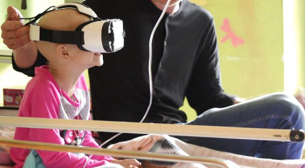 i-try-to-make-kids-with-cancer-smile-using-virtual-reality-technology-4__880