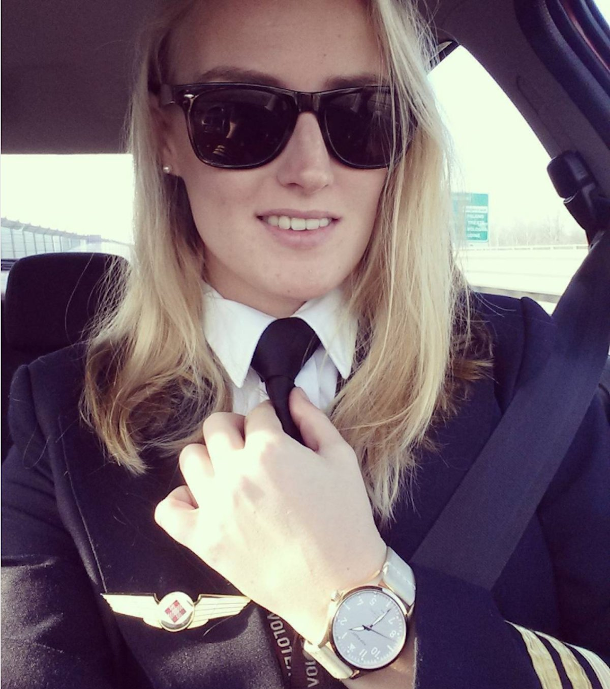 like-eser-lindy-kats-pilotlindy-was-born-in-the-netherlands-shes-now-based-in-italy