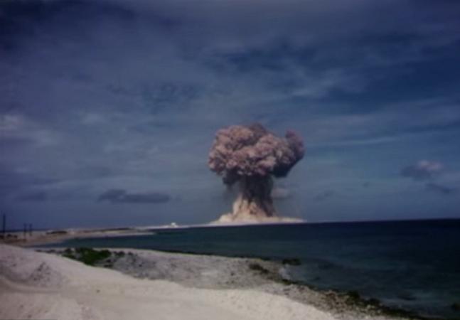 Vídeos secretos e assustadores de testes nucleares feitos pelos EUA tornam-se públicos