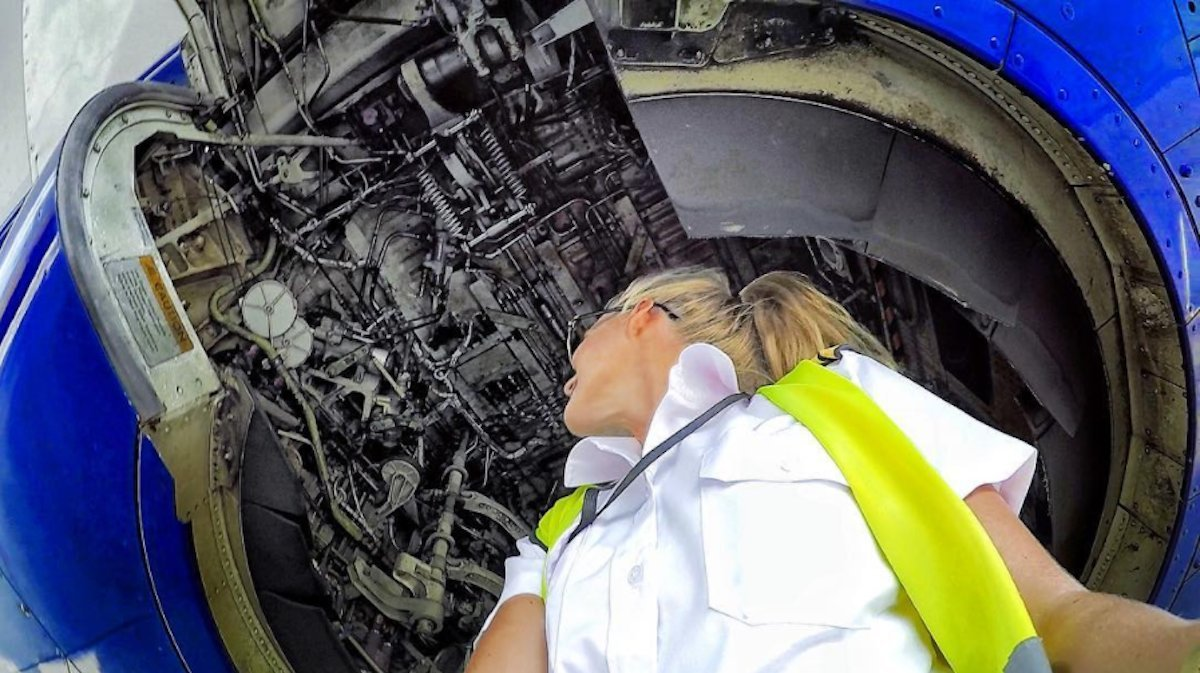 the-canary-islands-based-pilot-knows-the-ins-and-outs-of-a-boeing-737-literally