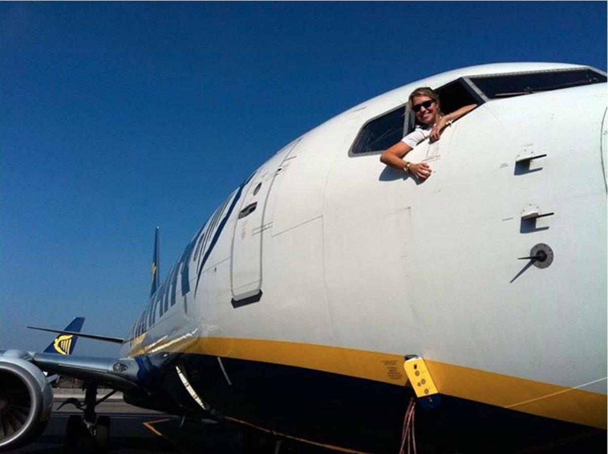 the-dutch-pilot-flies-boeing-737-jets