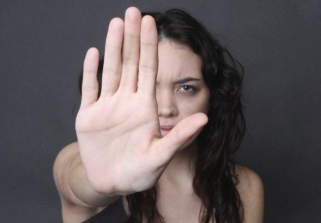 Pesquisa conclui que mulheres ganham menos que homens em TODOS os cargos