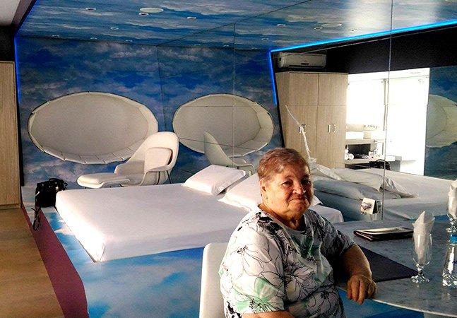 Neta realiza sonho de avó de 74 anos  e a leva para conhecer motel