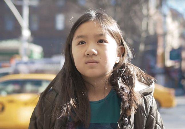 Essa menina oriental viu sua história ser entregue a uma atriz branca em vídeo triste mas necessário