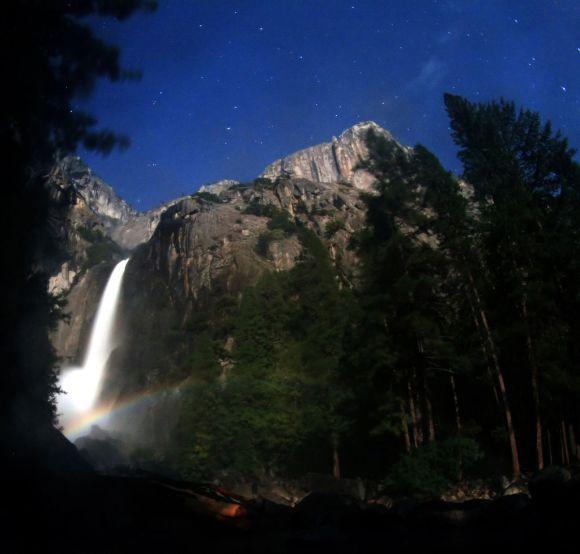 Arco-íris-Lunar_Yosemite-Fall-Brocken-Inaglory