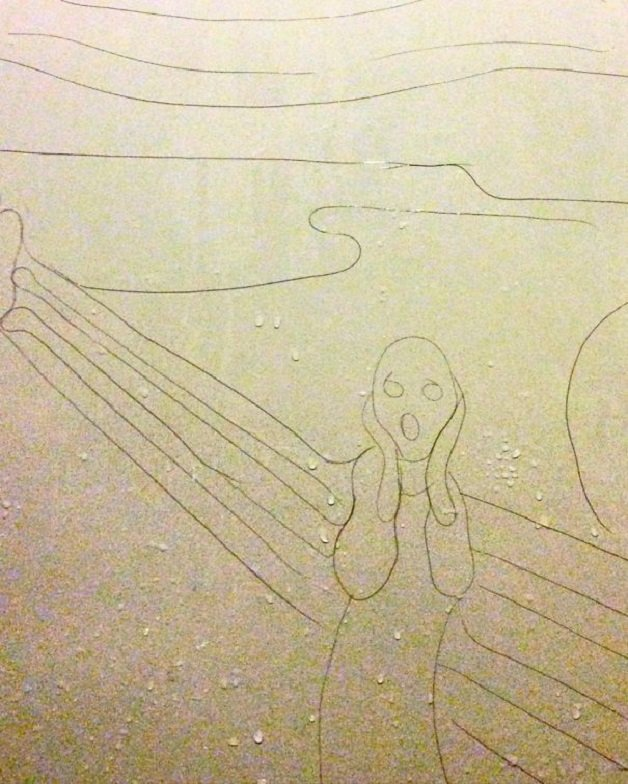 Artist-makes-drawings-with-hair-falling-in-the-bath-58ede56db8e6b__605