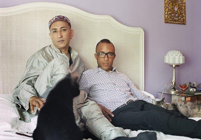 Fotógrafa documenta a relação de homossexuais com o islamismo em série poderosa