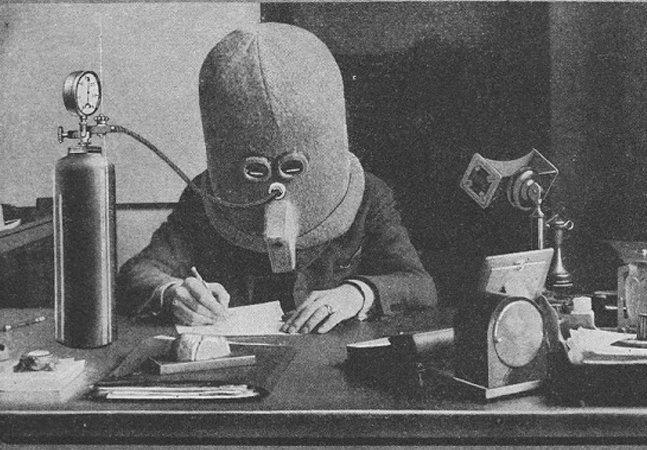 Este capacete anti-distração de 1925 é a prova de que a procrastinação já existia bem antes da internet