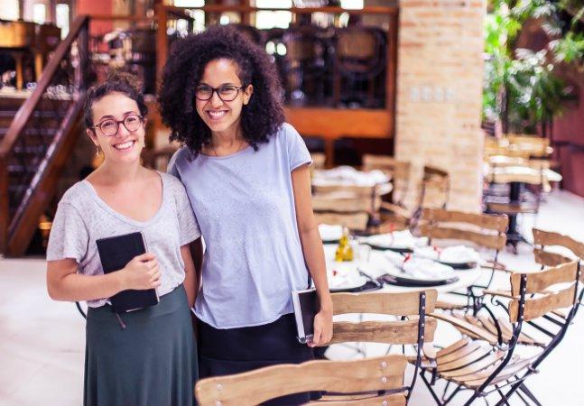 Pizzaria em SP lança programa de alfabetização gratuita pra funcionários e abre vagas pra comunidade