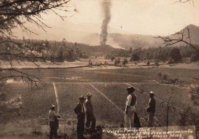 Fotografias impressionantes da única vez em que se registrou o nascimento e a morte de um vulcão