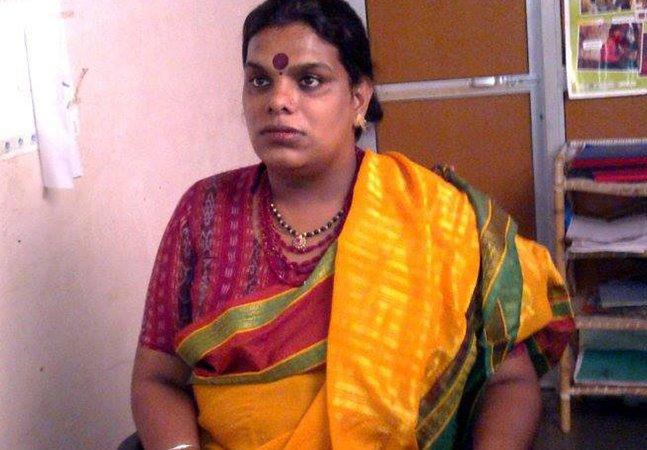 Comercial emocionante conta a luta da ativista transgênero Gauri Sawant para adotar uma criança na Índia