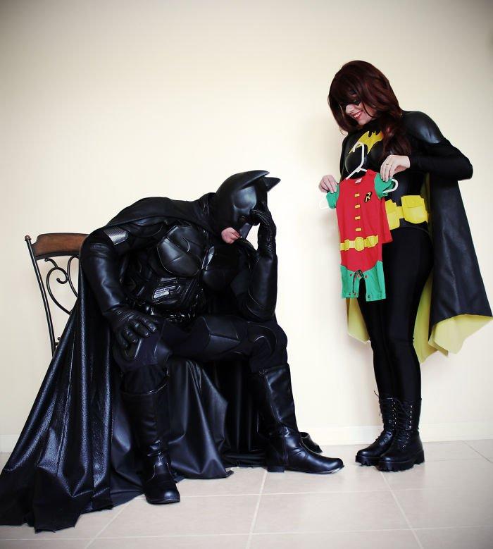 batman-batwoman-pregnancy-announcement-photo-ocularis01-1-58fdc0a1d41f6__700