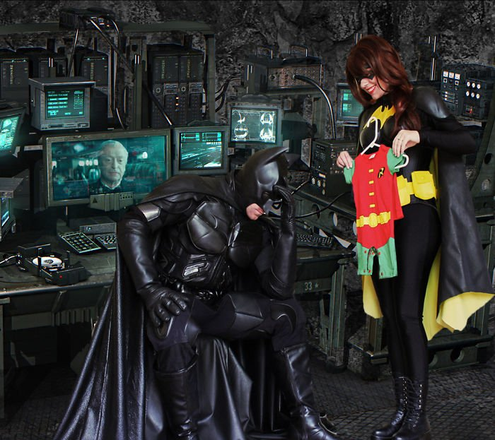 batman-batwoman-pregnancy-announcement-photo-ocularis01-6-58fdc0b493122__700
