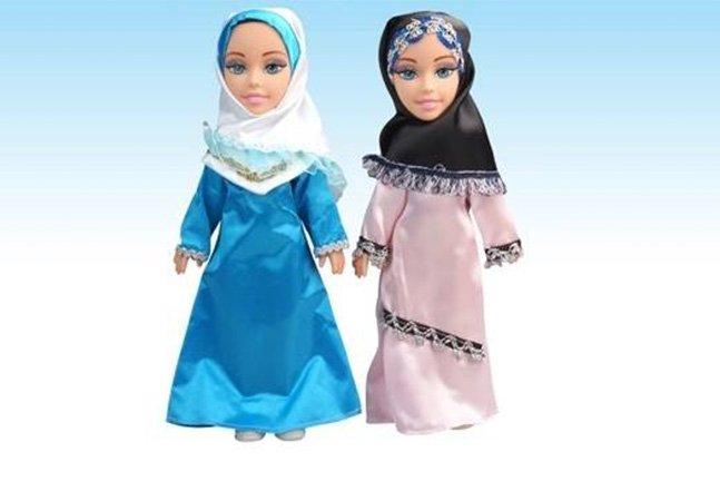 Empresa cria bonecas muçulmanas que cantam em árabe e adereços 'hijab-friendly' para barbies