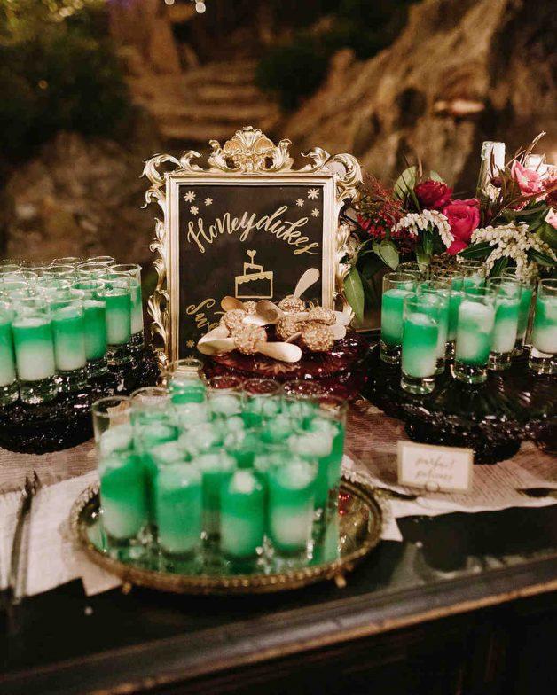 cindy-matt-wedding-harrypotter-dessert-1037-6287638-0417_vert