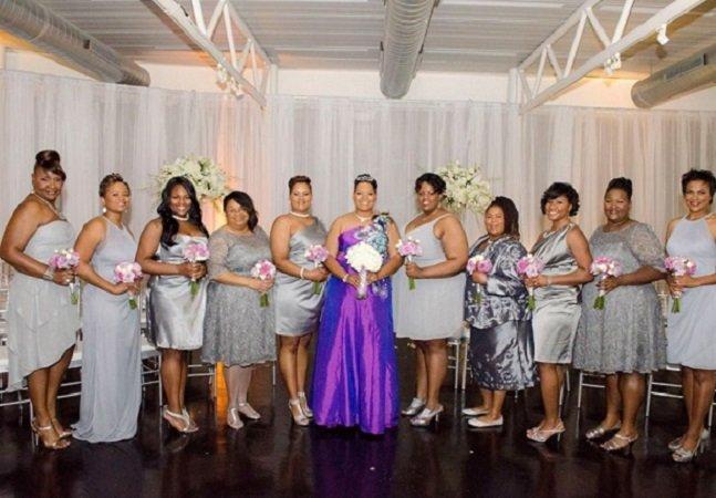 Ela resolveu casar consigo mesma e as fotos da cerimônia são inspiradoras
