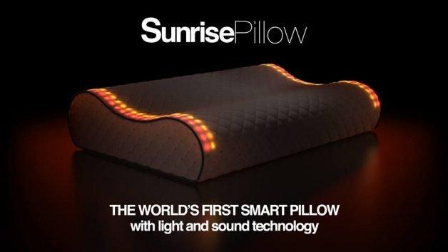 """""""O primeiro travesseiro inteligente do mundo, com tecnologia de luz e som"""""""