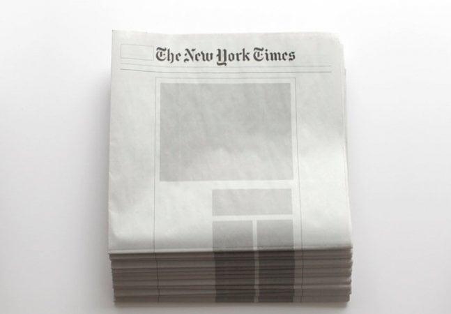 Coletivo artístico cria jornais vazios para combater o excesso de informação em que vivemos