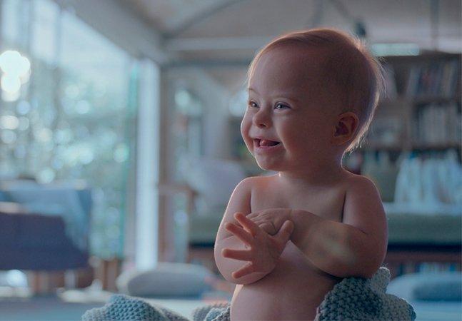 Esse comercial viral da Johnson's com um bebê síndrome de Down é uma das melhores homenagens do Dia das Mães