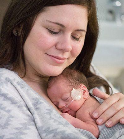 Hospital surpreende mães de bebês prematuros com um adorável ensaio de Dia das Mães