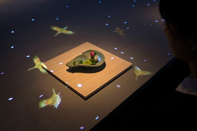teamlab-saga-beef-interactive-restaurant-sagaya-ginza-tokyo-designboom-05