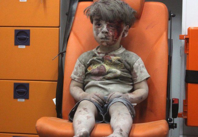 Como está hoje o garotinho que protagonizou uma das fotografias mais tristes da história