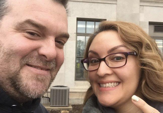 Nova onda de celebrar o divórcio com selfies e festas ganha cada vez mais adeptos