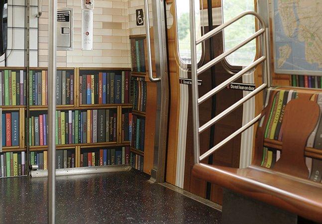 O metrô de Nova Iorque virou uma incrível biblioteca móvel digital