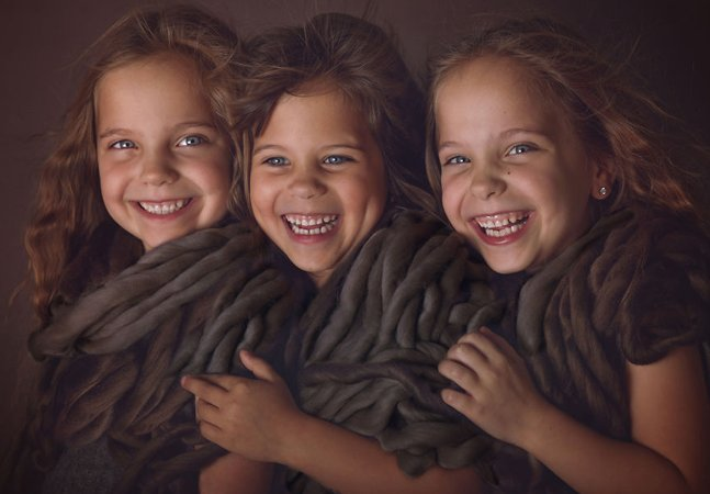 A magia de ter trigêmeos e a vida com seis filhos pela lente dessa fotógrafa e mãe