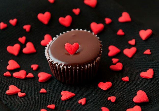 Estudo revela que quem come chocolate tem mais propensão a amar