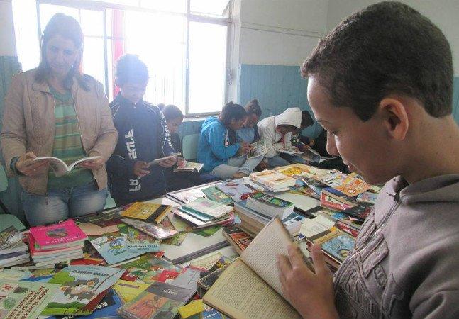 Iniciativa conecta quem precisa de livros a quem quer doá-los