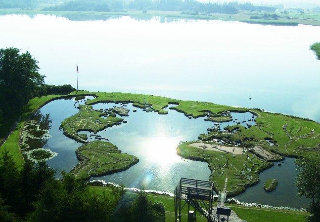 Um homem levou 25 anos para criar esse incrível parque que reproduz a Terra