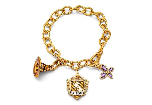 Uma nova coleção de pulseiras inspiradas em Harry Potter para fã nenhum botar defeito