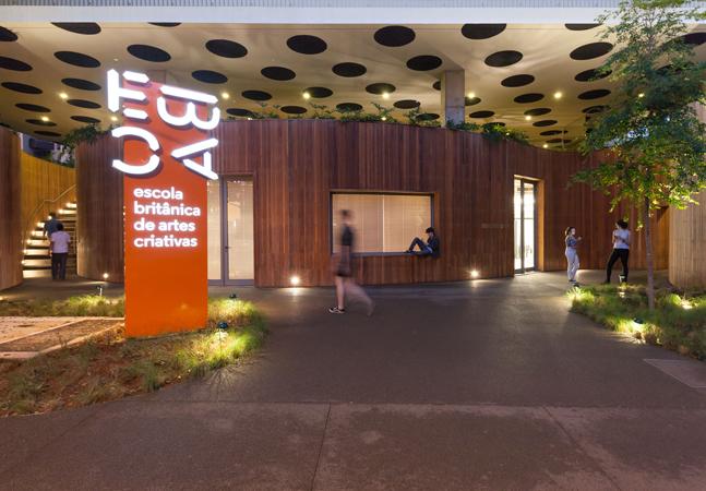 Escola de Artes Britânica oferece diploma internacional e cursos inéditos e estimulantes em São Paulo
