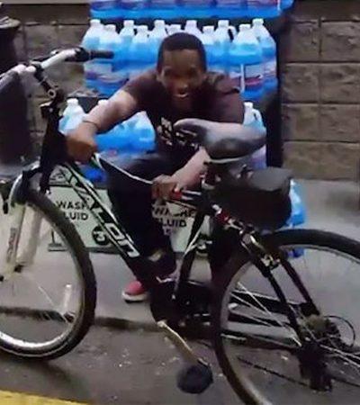 Cliente compra bike para atendente que caminha 4 horas todos os dias para ir e vir do trabalho
