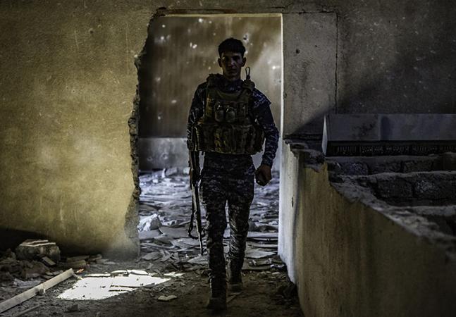 Ninguém quis comprar suas tristes fotos da 'Batalha de Mosul', então ele as disponibilizou gratuitamente