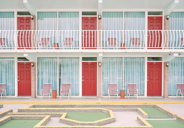 Pessoas compartilham fotos incríveis de lugares que parecem saídos de um filme de Wes Anderson