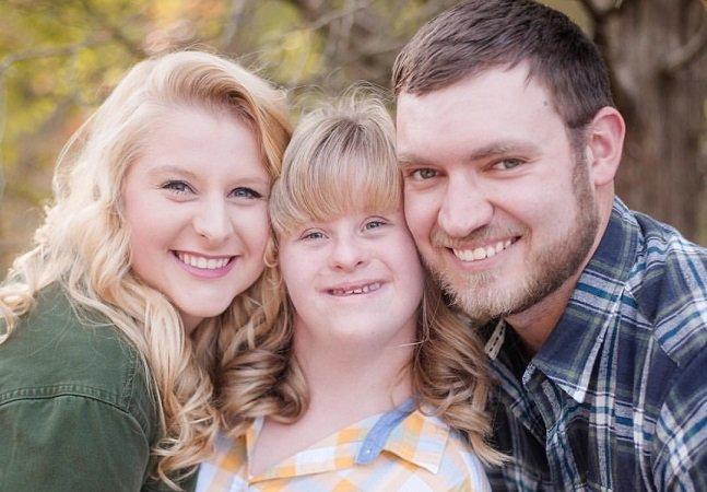 Pedido de casamento surpreendente 'inclui' a irmã da noiva,  com Síndrome de Down
