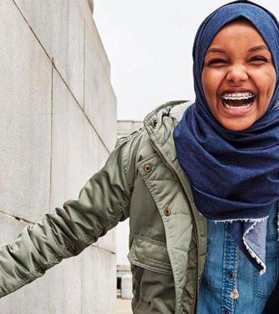 Marca cria hijab jeans em busca de coleção inclusiva
