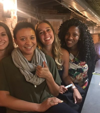 Garoto marca encontro com 5 garotas no mesmo bar e recebe a vingança perfeita