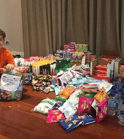 Australiano de 8 anos desenvolve kit para ajudar pessoas em situação de rua com o próprio dinheiro