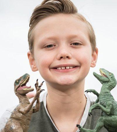 Garoto de 10 anos apaixonado por dinossauros corrige erro do Museu de História Natural de Londres