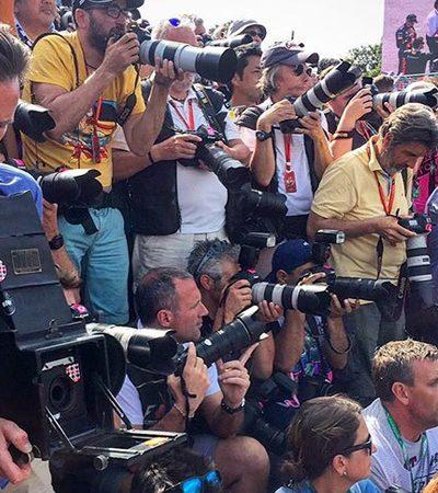 Ele tirou fotos de uma corrida de Fórmula 1 com uma câmera de 104 anos – e esse foi o resultado