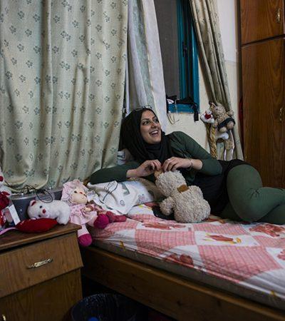 Fotógrafa mostra como é ser menina e crescer em Gaza em série de imagens poderosa