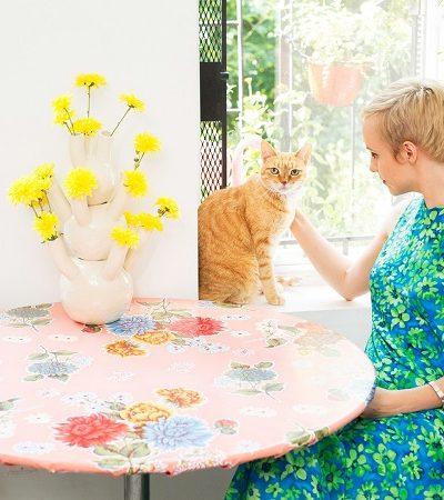 Esta série de fotos de mulheres e seus gatos é puro amor e conexão