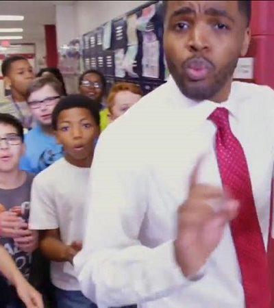 Professor rapper mostra como a criatividade pode mudar a forma como as crianças veem a escola