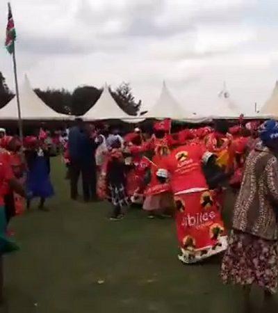 Quenianos saem às ruas dançando (literalmente!) após elegerem mulheres como governadoras pela primeira vez na história