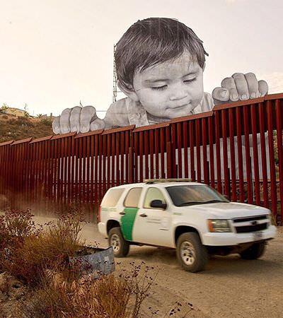 A mensagem fundamental da imagem de uma criança de 20 metros colocada na fronteira entre o México e os EUA